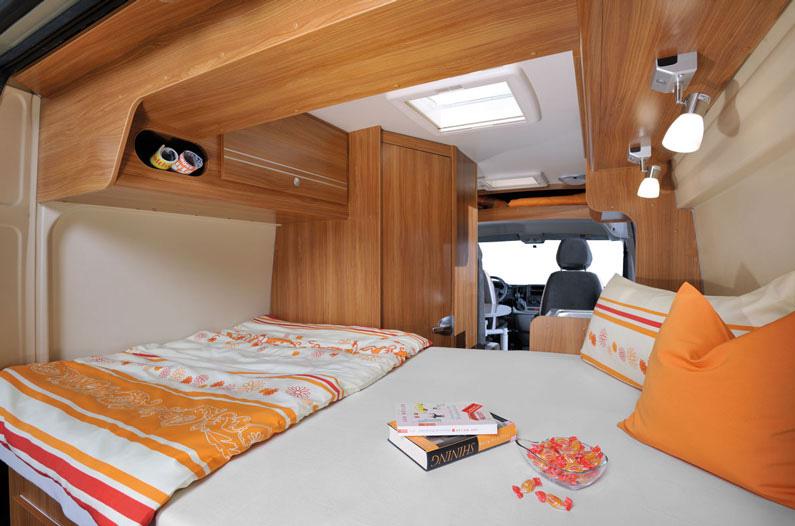 wohnmobil reisemobil campingbus klein bis mittel mieten vermitteln kaufen. Black Bedroom Furniture Sets. Home Design Ideas